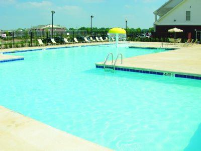The greens at auburn apartment in auburn al - Auburn swimming pool opening hours ...