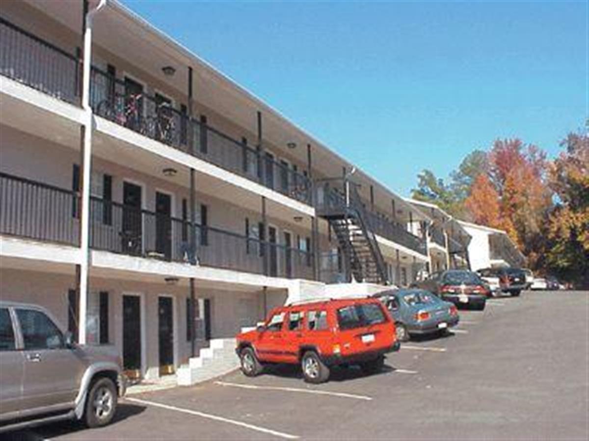 . Northcutt Realty   Apartment in Auburn  AL