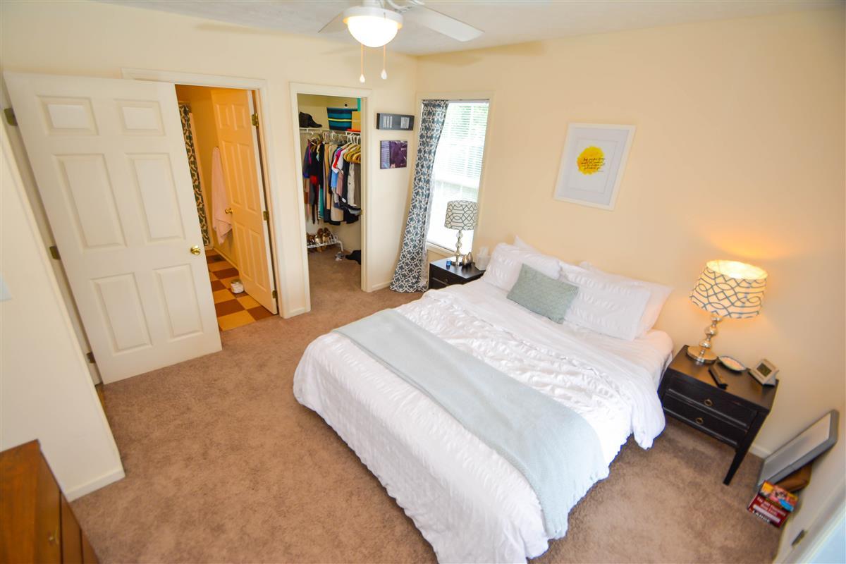 savannah square apartment in auburn al