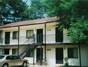 Toomer Court apartment in Auburn, AL